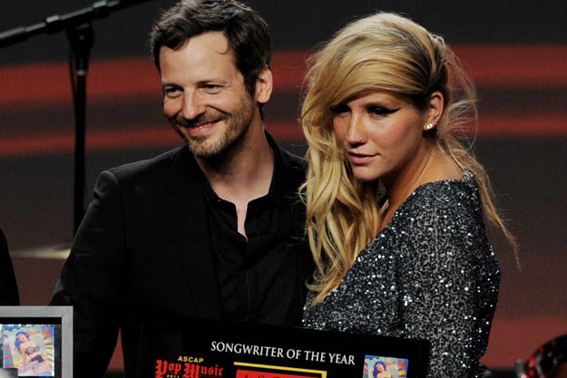 drluke kesha thatgrapejuice Dr. Luke Claps Back At Ke$ha With Lawsuit Of His Own / Alleges Extortion