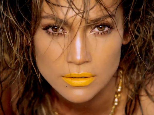 jennifer lopez that grape juice 80 600x450 Report: Jennifer Lopez Considering Las Vegas Residency?