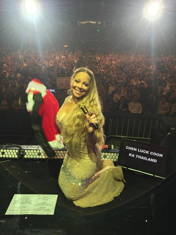mariah carey santa thatgrapejuice Hot Shots: Mariah Carey Gets Festive In Thailand / Dresses As Mrs Santa Claus