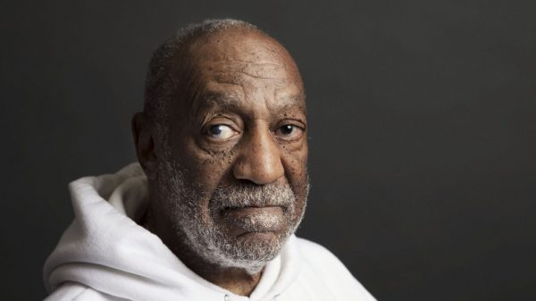 bill cosby janice dickinson thatgrapejuice 600x337 Bill Cosby Lawyer Blasts Janice Dickinson Rape Clams In Official Statement
