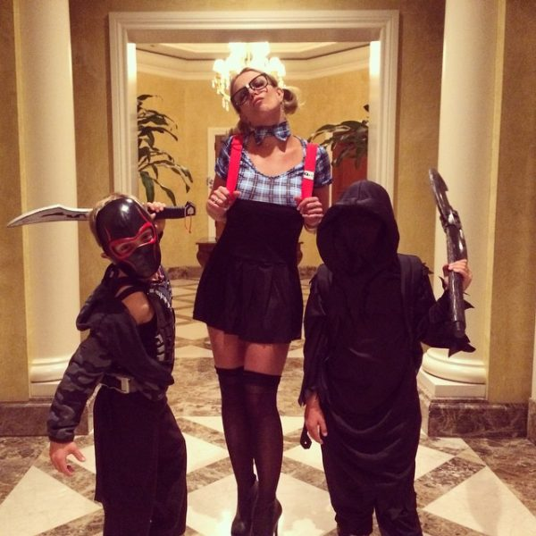 britney spears halloween thatgrapejuice 600x600 A Hollywood Halloween 2014: Who Had the Best Costume?