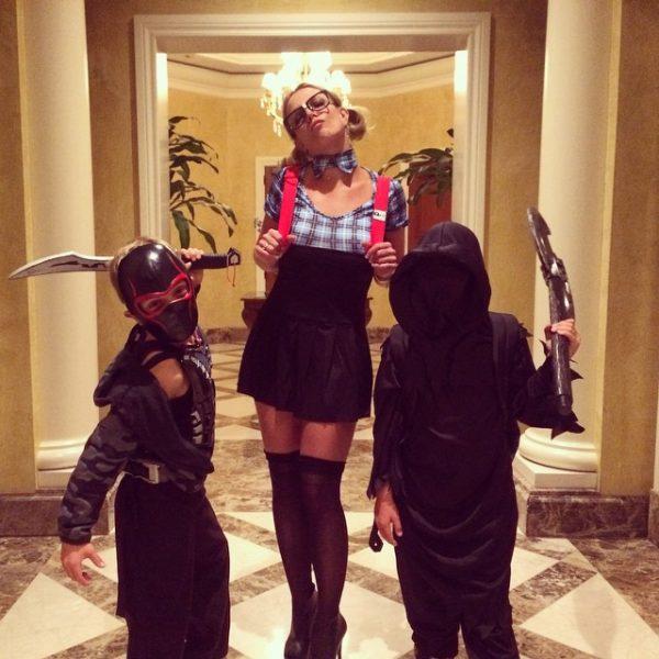 britney-spears-halloween-thatgrapejuice