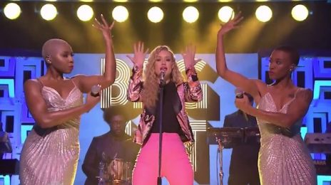 Watch: Iggy Azalea Performs 'Beg For It' On 'The Tonight Show'