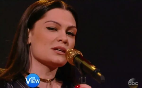 jessie j the view thatgrapejuice 600x373 Watch: Jessie J Performs Burnin Up On The View