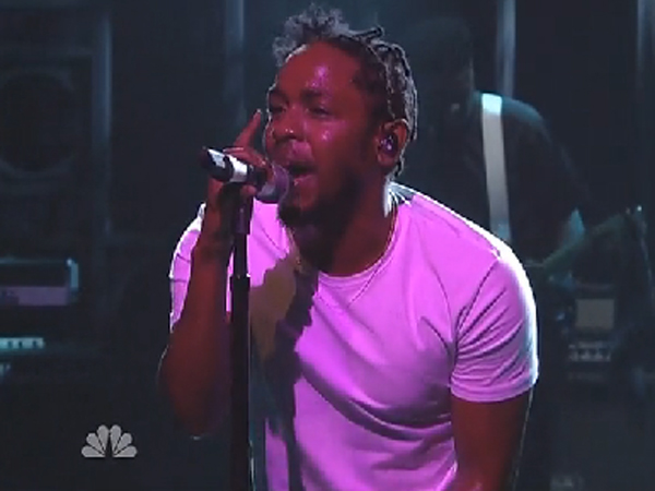 kendrick lamar i 2 thatgrapejuice Watch: Kendrick Lamar Performs i On Saturday Night Live