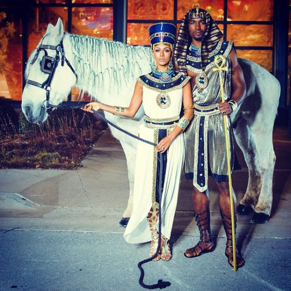 keri hilson halloween thatgrapejuice 600x600 Keri Hilson Heats Up Halloween With Egyptian Themed Costume