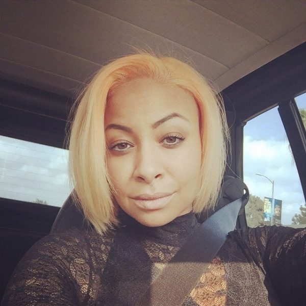 raven symone peach hair thatgrapejuice 600x600 Hot Shot: Raven Symone Debuts New Peach Colored Hair