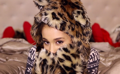 New Video: Ariana Grande - 'Santa Tell Me'