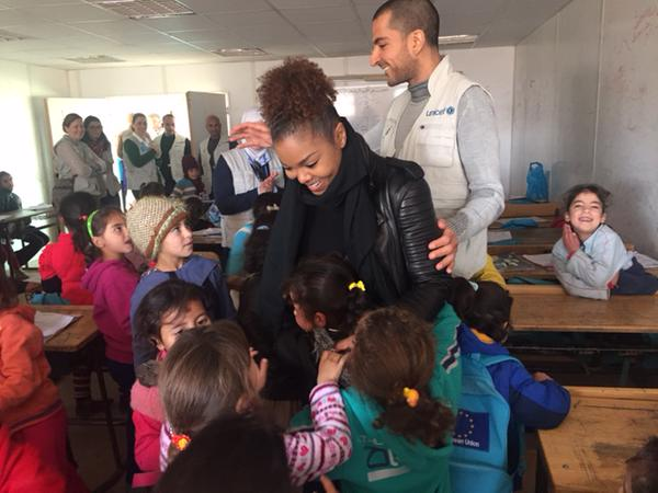 janet unicef3 thatgrapejuice Hot Shots: Janet Jackson Visits Unicef Zaatari Refugee Camp