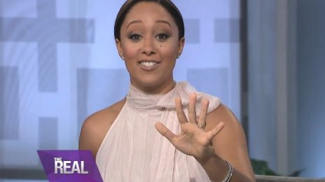 Tamera Mowry Announces Pregnancy On 'The Real'