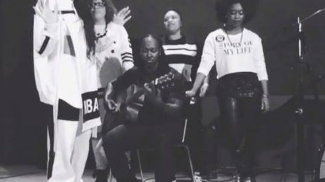 Watch:  Ciara Rocks Acoustic 'I Bet' Performance [Full]