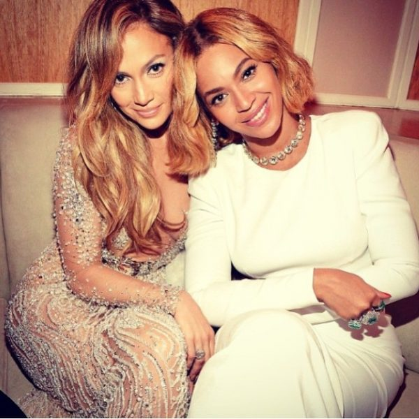 beyonce and jlo-thatgrapejuice-vanity fair party