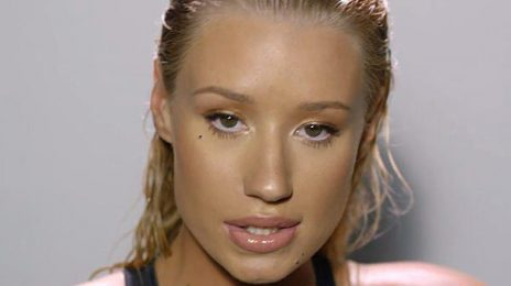 Iggy Azalea Threatens Lawsuit Against Papa John's Pizza For Delivering Her Phone Number To Fans
