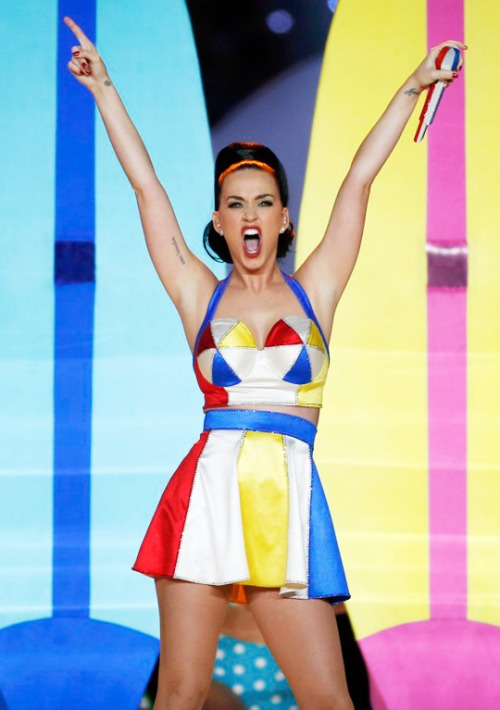 katy-perry-that-grape-juice-2015-19191919191