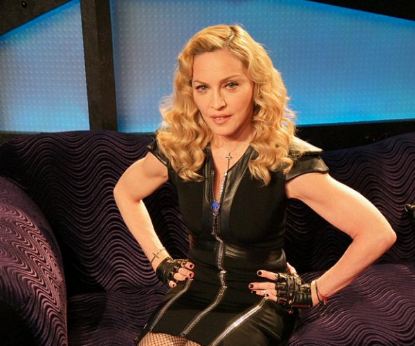 madonna-howard-stern-that-grape-juice-2015