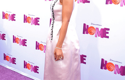 Hot Shots: Jennifer Lopez & Rihanna Stun At 'Home' Movie Premiere