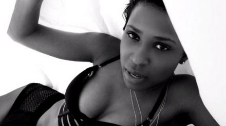 New Video: Dej Loaf - 'Me U & Hennessy'