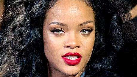 Apple Denies Claims That It's Sabotaging Rihanna's New Album Campaign