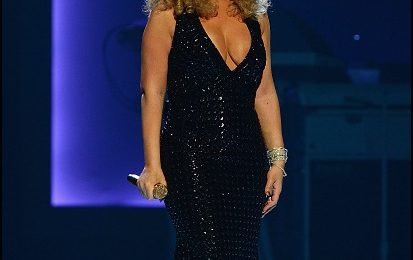 Triumphant: Mariah Carey Amazes With Debut Las Vegas Show [Clips]