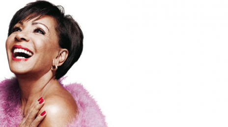 """Shirley Bassey Offers Advice To Beyonce & Rihanna: """"Get A Vocal Coach"""""""