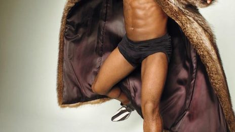 Kevin Hart Strips Off For 'Rolling Stone'