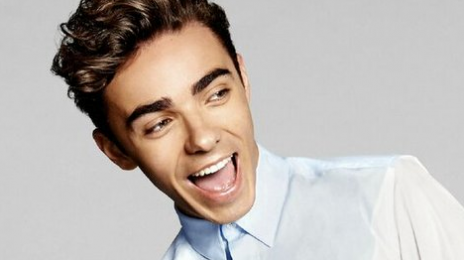 Watch: Nathan Sykes Meets Fans & Performs Live At 'Sykes Secret Show'