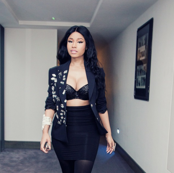 nicki-minaj-that-grape-juice-2015-191010101010