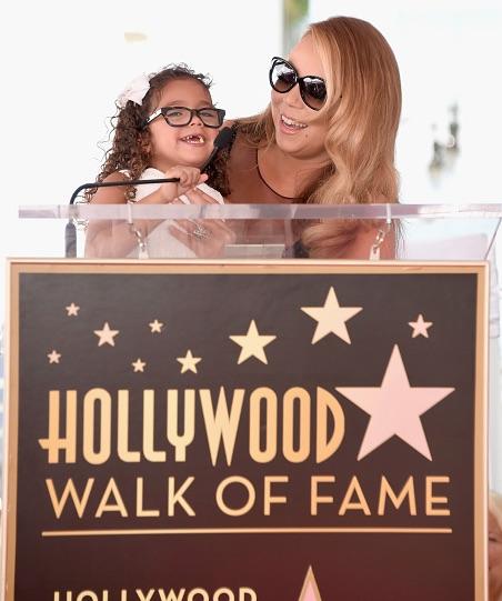 Mariah Carey - Página 12 Mariah-carey-walk-of-fame2-thatgrapejuice