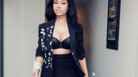 "Watch: Nicki Minaj Shocks Fans By Playing With Meek Mill's ""Anaconda"" Live In Concert"