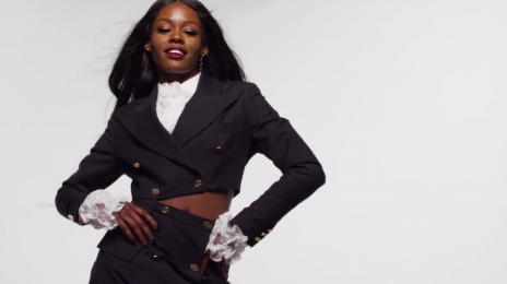 Azealia Banks Comments On Airplane Meltdown / Calls Attendant A 'F*ggot'