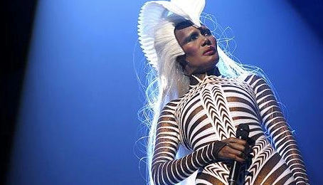 "Grace Jones: ""Kim Kardashian Is Basic"""