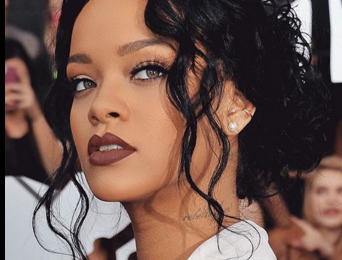 Rihanna Bags New $25 Million Sponsorship Deal