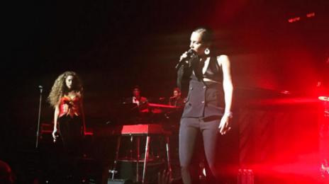 Hot Shots: Alicia Keys & Lion Babe Perform Live At The 'Black Ball'