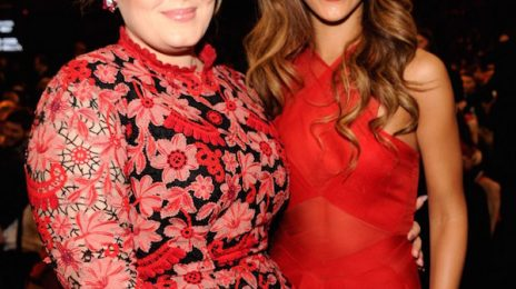 Report: Rihanna's Album Delay Due To Samsung Deal...And Adele