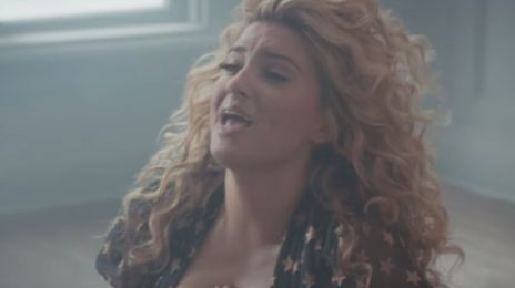 New Video: Tori Kelly - 'Hollow'