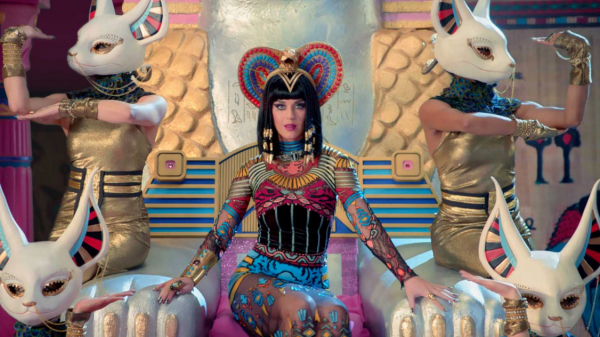 katy-perry-that-grape-juice-2015-19101010101911010