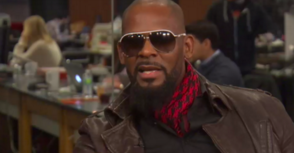 Watch: R. Kelly Walks Off 'Huffington Post Live' Set