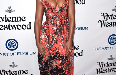 Hot Shots: Kelly Rowland Glistens & Glows At 'Art Of Elysium' Event