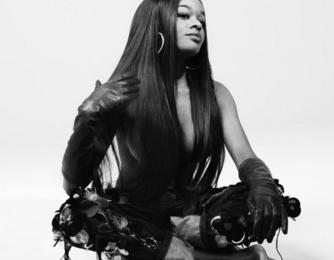 Azealia Banks Backs Nicki Minaj In Hip-Hop Sexism Row
