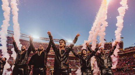 Bruno Mars Praises Beyonce / Teases Super Bowl Return