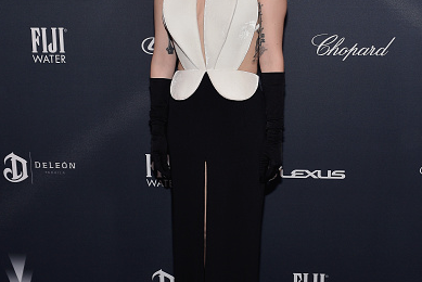 Hot Shots: Lady Gaga Glows Old Hollywood At Pre-Oscar Gala
