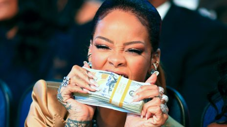 Rihanna's 'Needed Me' Continues Chart Climb/ 'Kiss It Better' Plummets