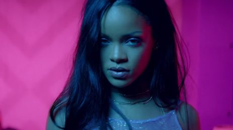 Rihanna Rockets To #1 On iTunes / Bounces Beyonce To #2