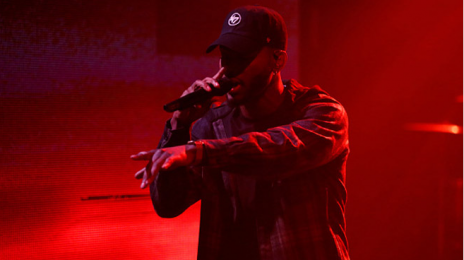 Bryson Tiller Performs 'Exchange'  Live On 'Late Night'