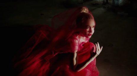 New Video: Gwen Stefani - 'Misery'