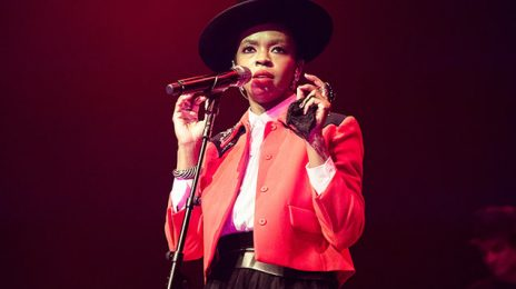 Awkward: Lauryn Hill Fan Confronts Singer Over Lateness