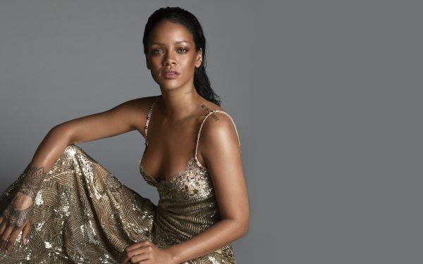 Rihanna-Vogue-US-2016-rihanna-thatgrapejuice canadian. jpg