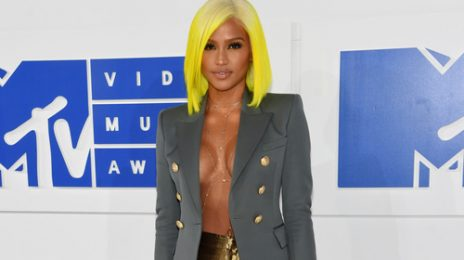Cassie Signs With Epic Records