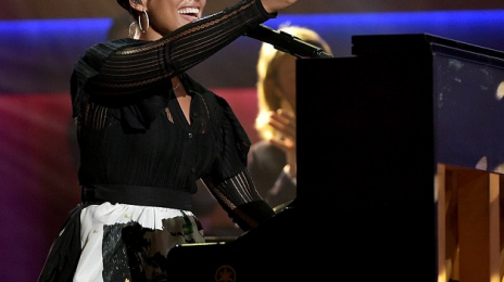 Did You Miss It?  Alicia Keys Gets Standing Ovation At 'ACM Honors' [Video]