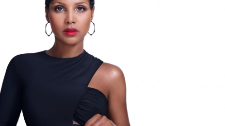 Watch: Toni Braxton Breaks Down In Concert